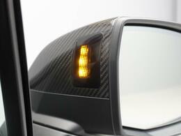 サイド後方から来た車両を感知してドライバーにフラッシュで知らせるサイドアシストと一定の速度内での走行時に衝突を回避するアシスタントパッケージが装着