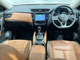 【ゼログラビティシート】ロングドライブでも疲れにくい中折れ形状の背もたれパットを運転席・助手席・2列目左右シートに採用★