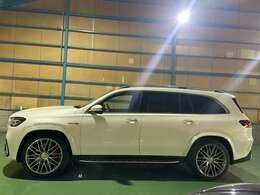 令和2年式メルセデス・ベンツAMG GLS63 4マチックプラス4WD AMGインテリアカーボンパッケージ(オプション) 人気のダイヤモンドホワイト(オプション)