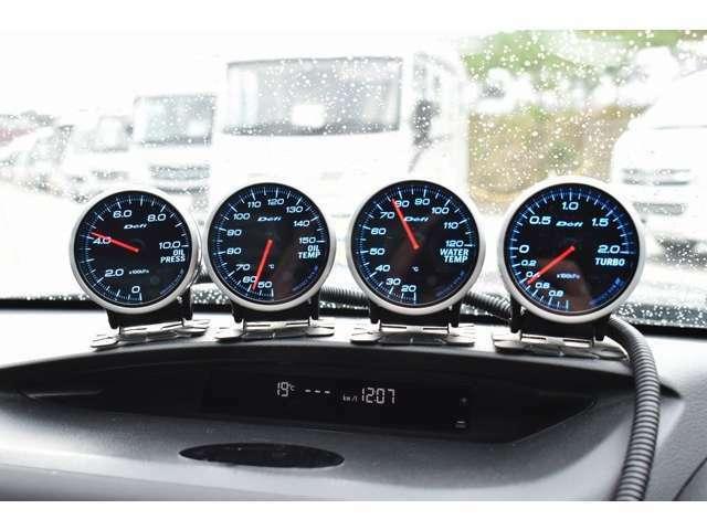 Defi追加メーター☆油圧計・油温計・水温計・ブースト計となっております☆