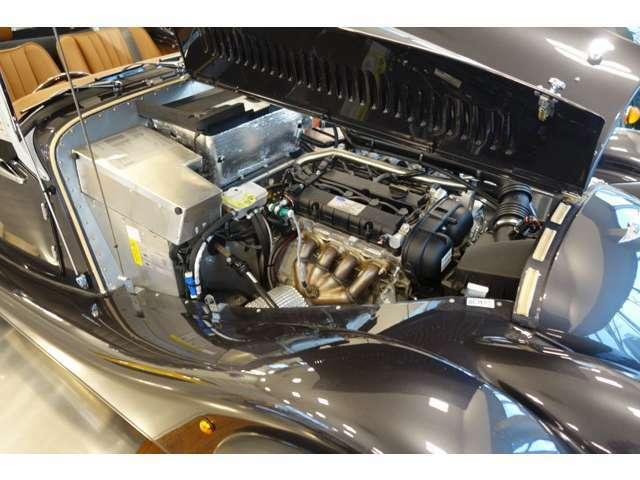 FordSigma 1.600の E/gを搭載しております。112PSの出力でしゃりょ重量がわずか870kgです。(車検証上)