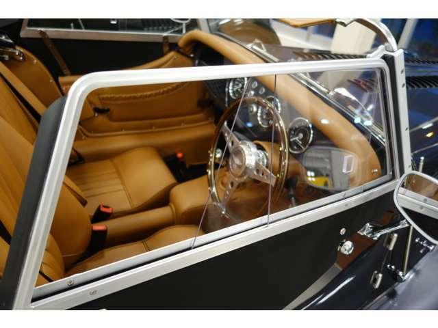 1936年誕生以来生産続けられ、最終ロットの車両です。奇跡の一台を是非!!
