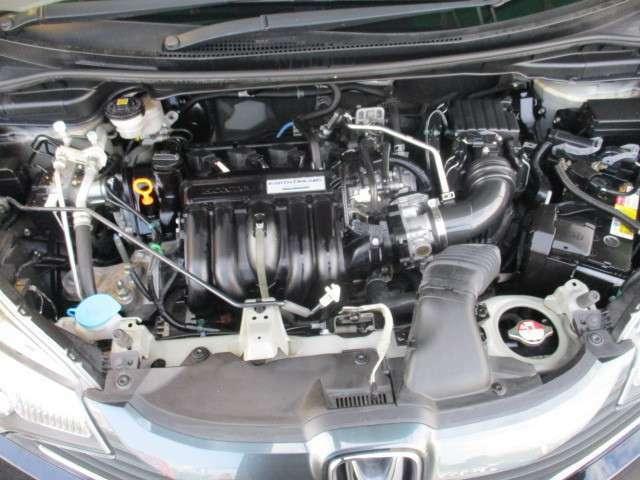 タイミングチェーン お越しの際は是非エンジンルームも見てください!ピカピカです!全車 安心の点検整備、保証付です。 CVT「無段変速」エンジンの動力をにコントロールできて燃費がよくなります♪