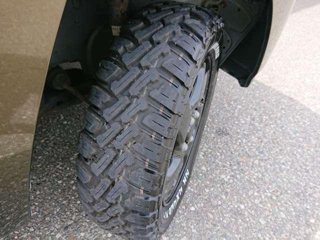 マッドタイヤがワイルド◎2020年製のタイヤですので、安心してお使い頂けます◎