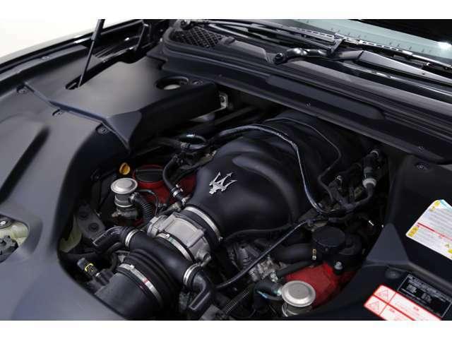 【エンジンスペック】 V型8気筒 4691cc ガソリン  440馬力(カタログ値)