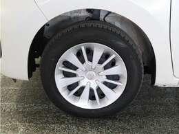 タイヤのサイズは165-65R14です。