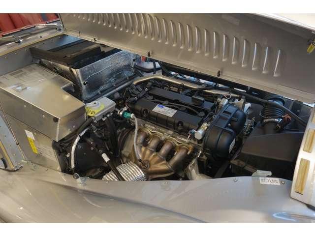 1.6リッターのフォードエンジンを搭載、クラシックレンジで最軽量モデルです。 車両重量は870kg(車検証)