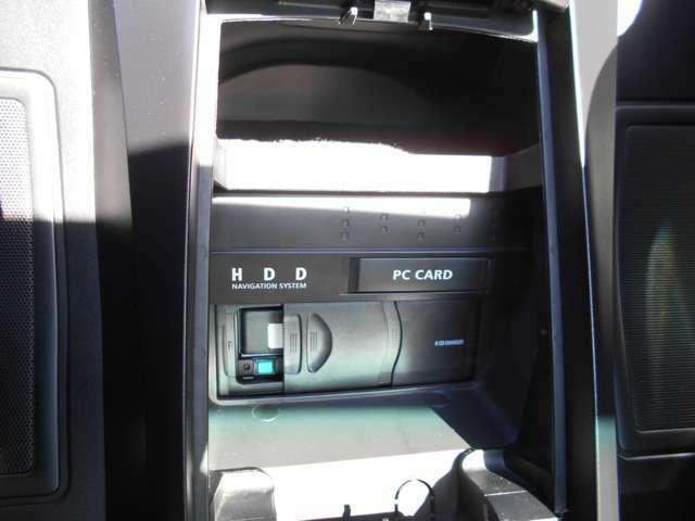 純正6連装CDチェンジャー&HDDナビ本体