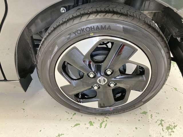 デイズルークスハイウェイスター専用!14インチアルミホイール!シルバーとブラックの組み合わせがよりタイヤを大きく見せてくれます!