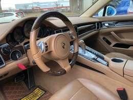 左ハンドルPDKのお車です。とても気持ちの良いシフトチェンジをご堪能下さい。お問い合わせは011-299-5556又はsstyle88@gmail.comまで