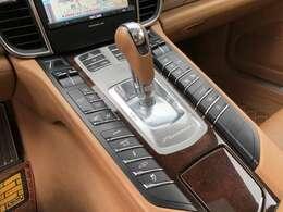 PDKです。とても素早いシフトチェンジが魅力なお車です。気持ちの良いドライブが出来そうです♪お問い合わせは011-299-5556又はsstyle88@gmail.comまで