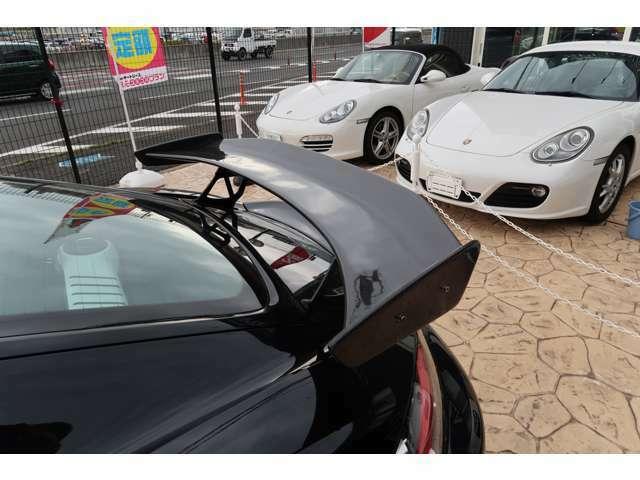 当社でご購入のお車には半年間走行距離無制限の保証が付帯されています。別途有償にて補償内容のグレードアップも可能です。
