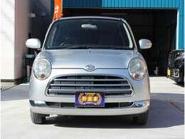 前からの画像です♪当店は車検が残っている車両は試乗も可能です。(尚、試乗は当店で購入を希望のお客様に限ります。試乗希望の方は準備等ありますので前もってお電話下さい)フリーダイヤル0066-9711-853027まで♪