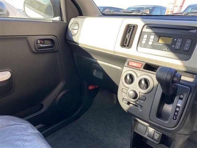 軽自動車だけでなく普通車のお取り扱いもございます!お車のことならファミリーへご相談ください。