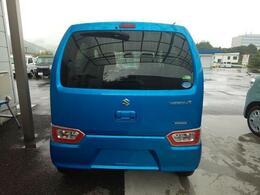 ブリスクブルーの2WD、CVTです。
