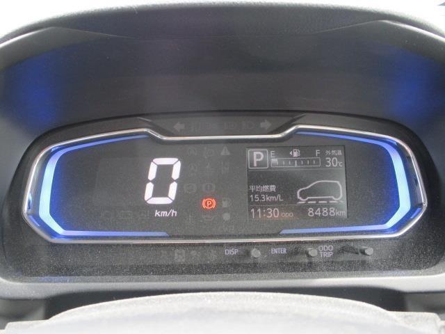 目に優しいメーター照明でロングドライブも快適です。