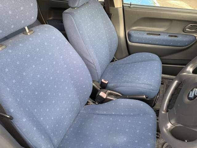 フロントシートの画像になります。