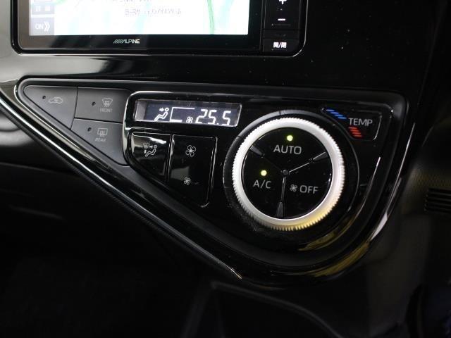 モーターで駆動する電動インバーターコンプレッサーの採用により、エンジン停止時でもエアコンを効かせることが可能です。花粉をブロックするクリーンエアフィルター付です。