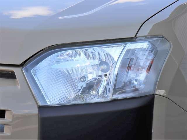 【LEDヘッドライト】どうしても経年劣化で黄ばんでしまうヘッドライトですが全台磨いておりますのでとっても綺麗です!これだけで新しい車に見えちゃいますね!