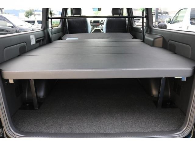 4ナンバーサイズで維持費もお安くでき且つ、収納スペースが大きく使いやすいハイエース!仕事にプライベートにもお勧めですよ!