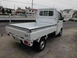 使い勝手の良い三方開トラック。