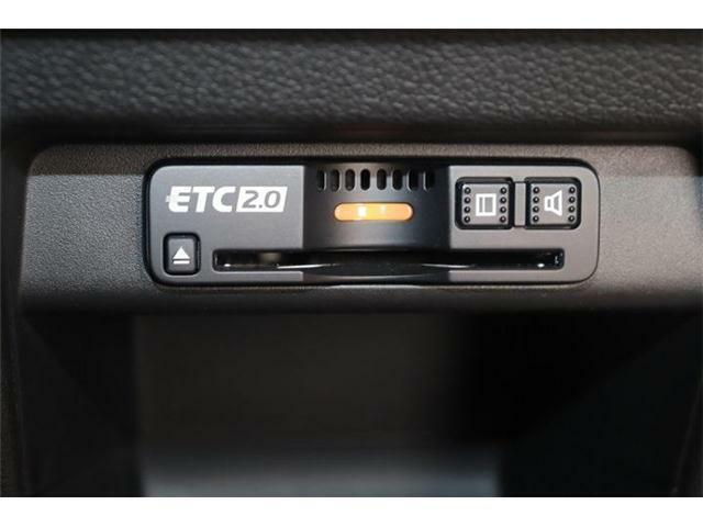今や必需品の『ETC』が付いています!高速道路の料金所をノンストップで通過可能!ETCを使えば土日祝日割引や深夜割引などのメリットを受けることができます。料金所でお金を用意する必要がないですよー