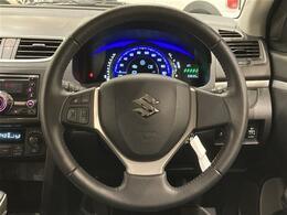 ステアリングスイッチ付きで、運転中の操作も便利です!