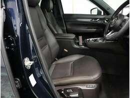 シーとは合皮でパワーシート付豪華、シートヒータ&クール付きで快適ドライブ!