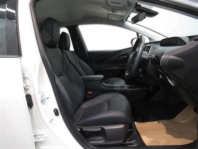衝突回避支援パッケージ「トヨタセーフティーセンス」搭載!!*システムを過信せず安全運転を心がけて下さい。