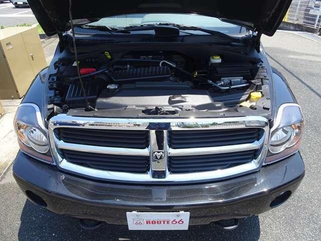 5.7L V8 HEMIエンジン ご購入後のメンテナンスや車検・カスタム等ぜひ当店にお任せくださいませ。納車目には点検整備を施しお納車させて頂きます。