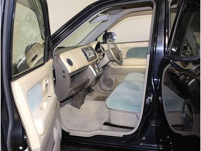 お車のご購入後のご安心のためにカーセンサーアフター保証も取り扱っております。保証期間は、1年、2年、3年保証とお選びする事も可能。料金や詳しい保証内容については弊社スタッフまでお気軽にご相談ください!