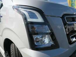 当社の車両は、除菌や消臭を徹底しウイルス対策をしています。納車後も数ヶ月間、効果の持続する業務用の滅菌・防菌処理も承っております。