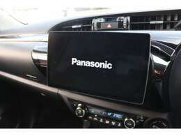 ストラーダ大画面SDナビを搭載しています☆地デジTV、CD・DVD再生・音楽録音・Bluetooth機能付き☆高画質・高音質で快適なドライブがお楽しみ頂けます☆走行中もテレビ映ります☆