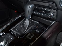 シートヒーター完備♪瞬時に暖かくなりますので、冷えた車内が温まる前に活用頂くと大変効果的です♪