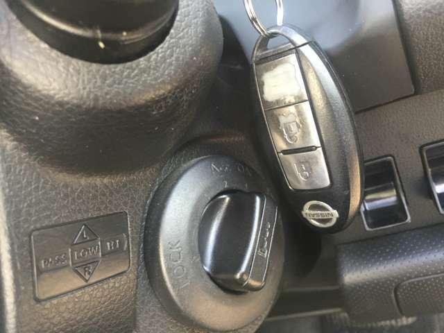 スマートキーなので携帯しているだけで簡単にドアの開錠、施錠が可能です!エンジン始動もワンプッシュ♪