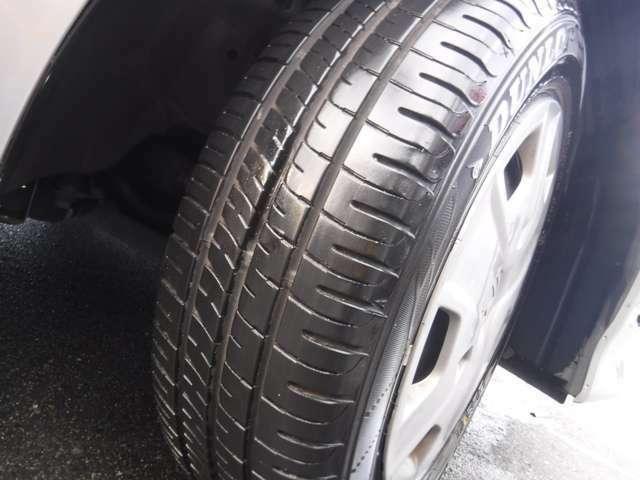 タイヤ溝まだあります
