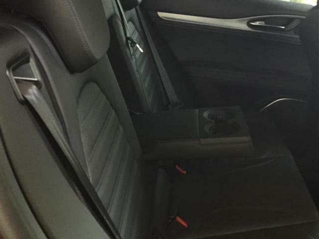 後部座席も当然、綺麗・清潔に仕上げております!内装の綺麗なお車は気持ちが良いですし、コンディションのいい車が多いです!