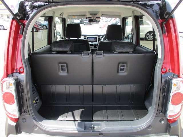 荷室スペースもしっかり確保♪シートの上に置くよりも安定するので、有効活用して下さい♪荷室の下にスペアタイヤや工具が入っている車が多いので、いざという時に困らないよう、詰め込み過ぎには注意しましょう♪