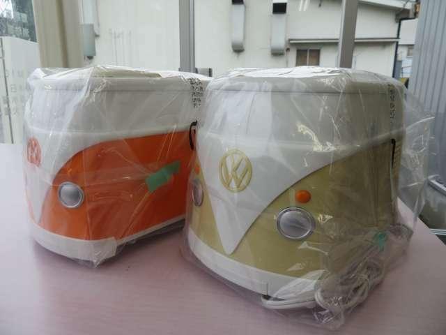 ご成約特典にはVWバス型トースターをご用意しました。焼きあがるとVWマークの焼き目が浮かび上がる、大人気のフォルクスワーゲングッズです(無くなり次第終了)☆