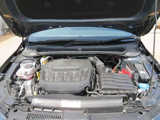 POLO GTIとして初めて2リッター直噴ターボエンジンを採用。200Psのパフォーマンスは先代モデルに比べて+8Psもパワーアップしています☆