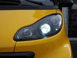 ◆ブラックインナーのヘッドライト 純正はハロゲンですがHIDキセノンヘッドライトに交換、ポジションランプはLEDに交換しております。