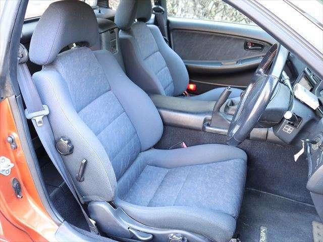 両席シートの状態もほつれや穴あきはなく、大変良好です。