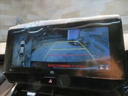 メーカーオプションのSDナビTV装備で、ロングドライブも快適。