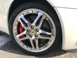 ブレーキはカーボンローターです。