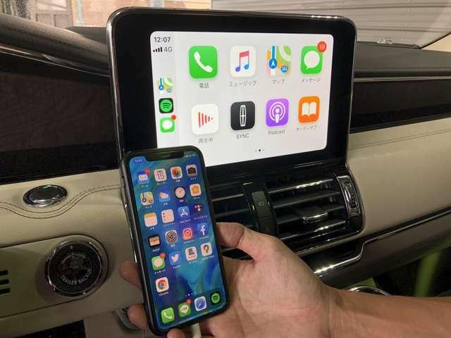 10インチLCDディスプレイには話題のApple Car Play/Android autoが装備され、スマホを接続させることでスマホ内蔵のナビが使えます!