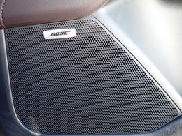 BOSEサウンド♪低音から高音まで音にバラツキ無く、車内の音楽を妨げるノイズ(エンジン音、走行ノイズ、雨音)を自動で補正、一定のバランスで音楽を楽しめるので長時間聴いても疲れません。12スピーカー