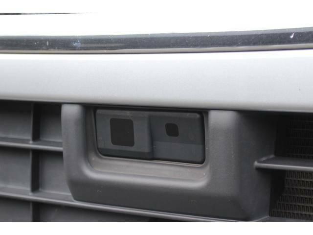 【スマートアシスト2】運転支援システム「スマートアシスト2」搭載モデル、単眼カメラと、バンパー内に埋め込まれたセンサーで前方を警戒プリクラッシュブレーキ等各種機能でドライバーをサポートします。
