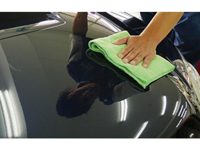 Bプラン画像:ツヤと水はじきなどの効果を持続するだけでなく、回を重ねるほど塗装そのものの平滑が促進され、改善されていきます。