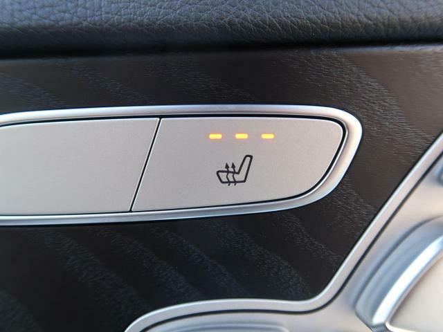 ●シートヒーター『前席に三段階で調節が可能なシートヒーターを装備しております。季節を問わず快適にご使用いただけます。』
