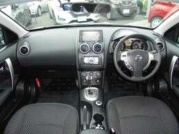 車内は黒を基調としているのスタイリッシュなデザインにタフなSUVさも有ります!